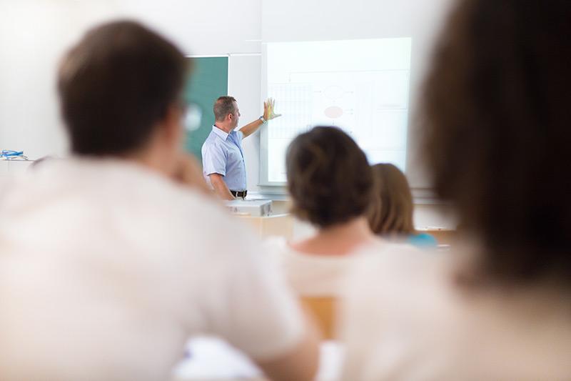 Psykoterapeutti kouluttaja -koulutus